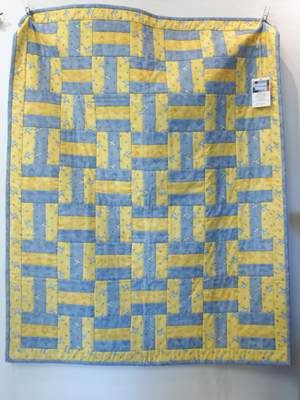 Birds and Bees Quilt - Patchworkdecke