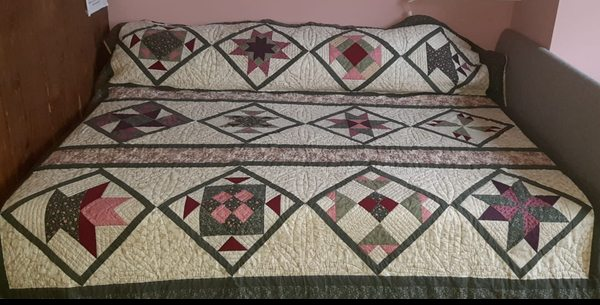 Handgemachter Quilt weiß grün rosa
