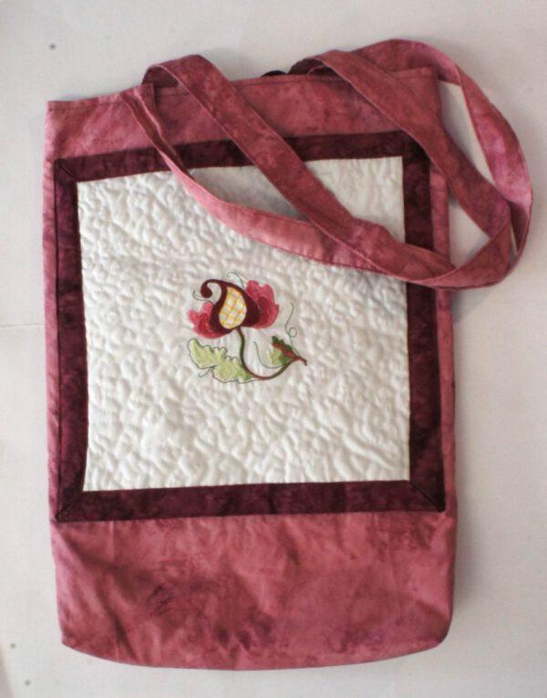 bestickte Tasche in rosa