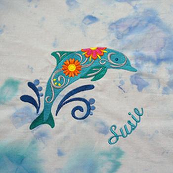 Textilien besticken mit Namen und Logo